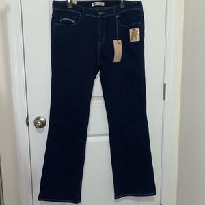 Levi's 512 Perfectly Shaping Bootcut Jeans. NWT